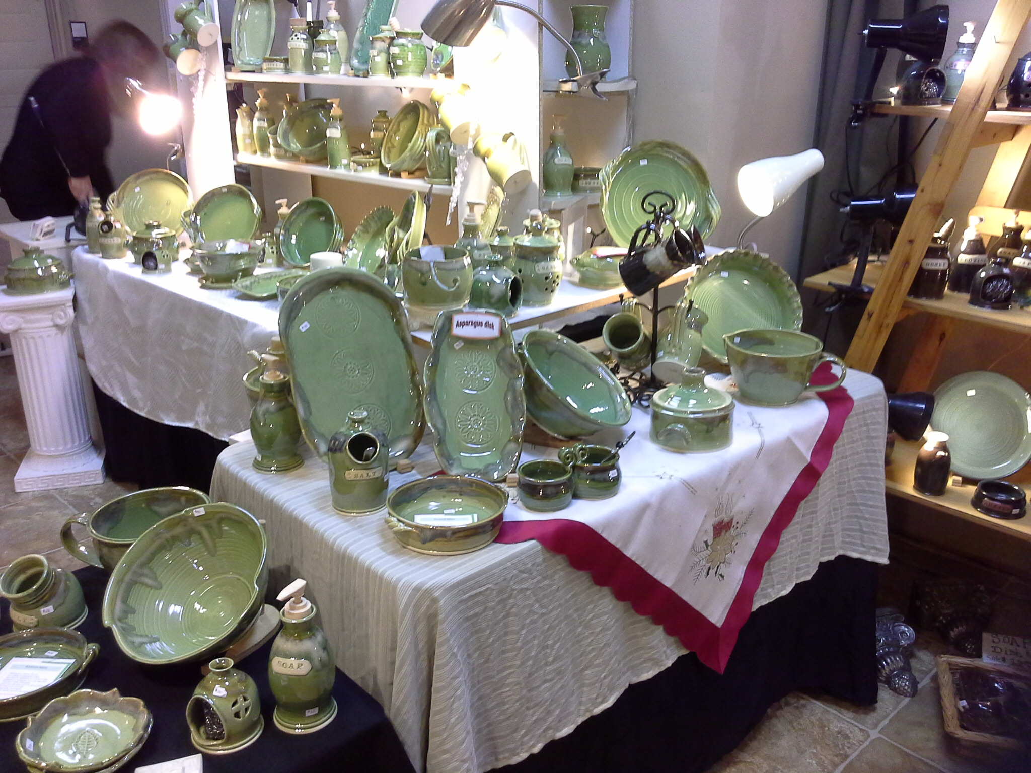 Peridot Green by Doing Earth Pottery