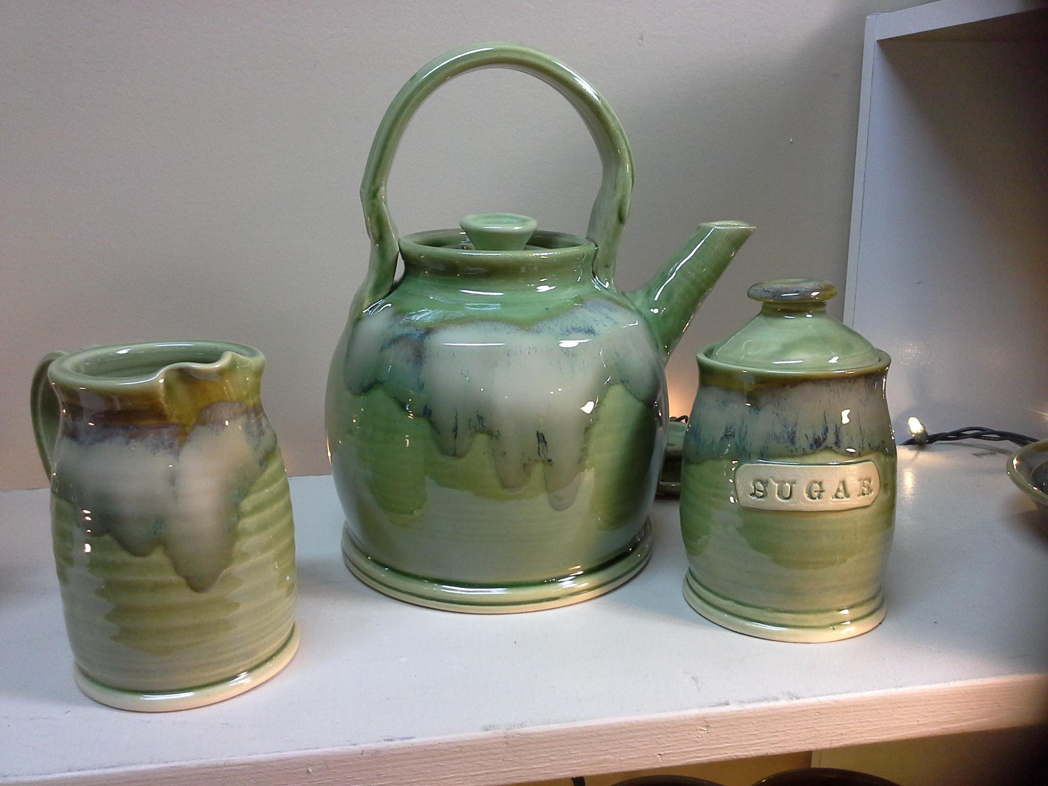 Tea Pot Doing Earth Pottery